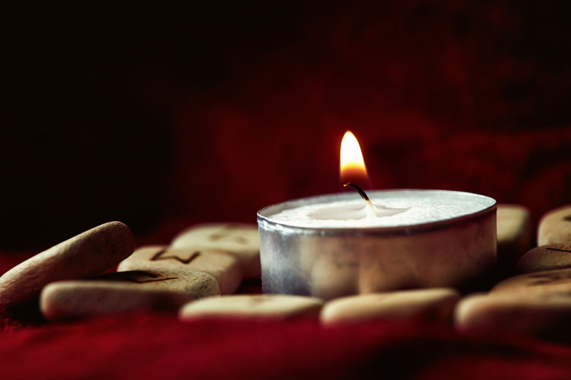 Seven Methods Of White Candle Love Spells Domination